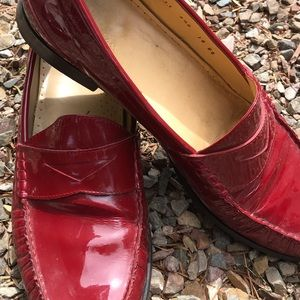 COLE HAAN  NIKE AIR  PATEN LEATHER RED LOAFER